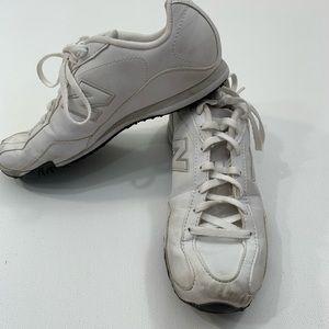 New Balance 8 1/2 442 tennis shoes white